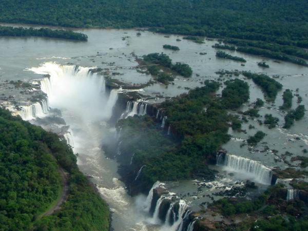 Foz_de_Iguaçu_27_Panorama_Nov_2005